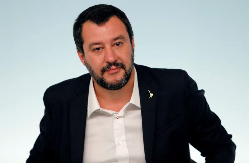© Reuters. Il vicepremier Matteo Salvini