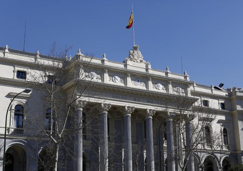 © Reuters. Fachada de la Bolsa de Madrid
