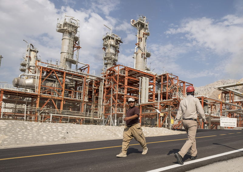© Reuters. مسؤول: العراق يحتاج إلى عامين للاستغناء عن الغاز الإيراني