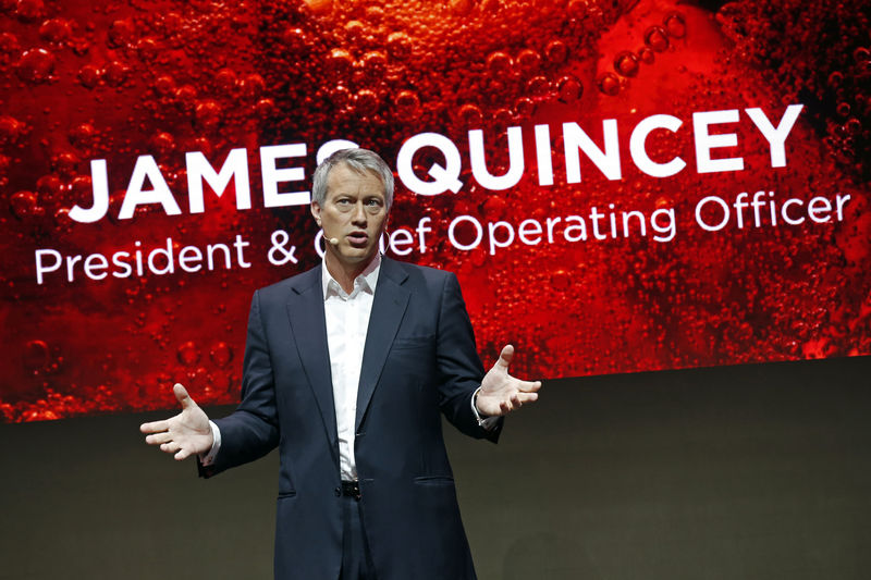 © Reuters. The Coca-Cola Company President and Chief Operating Officer James Quincey delivers a speech during a presentation in Paris