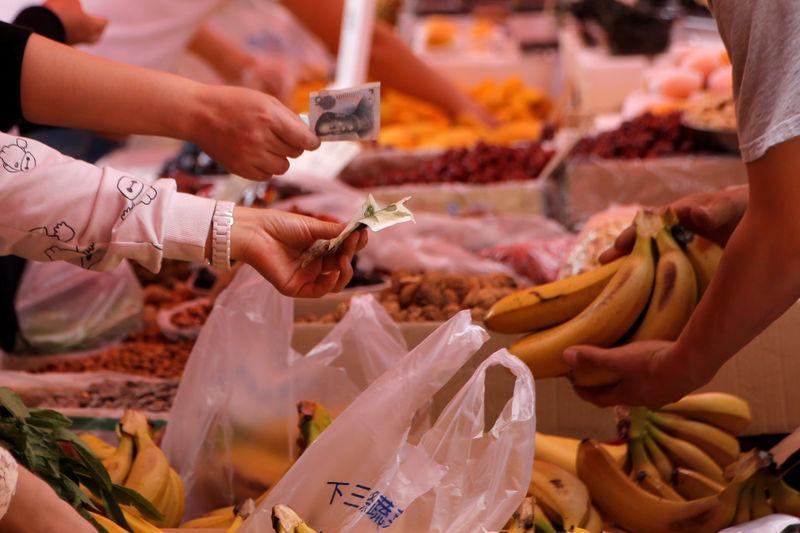 China's November PPI up 2.7 percent year-on-year, CPI up 2.2 percent year-on-year