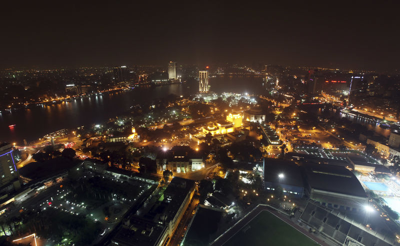© Reuters. A view of the city skyline and River Nile from Cairo tower building