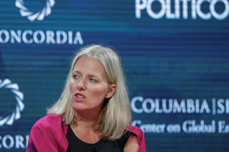 © Reuters. Catherine McKenna,Minister of Environment and Climate Change in Canada, answers a question during the Concordia Summit in Manhattan