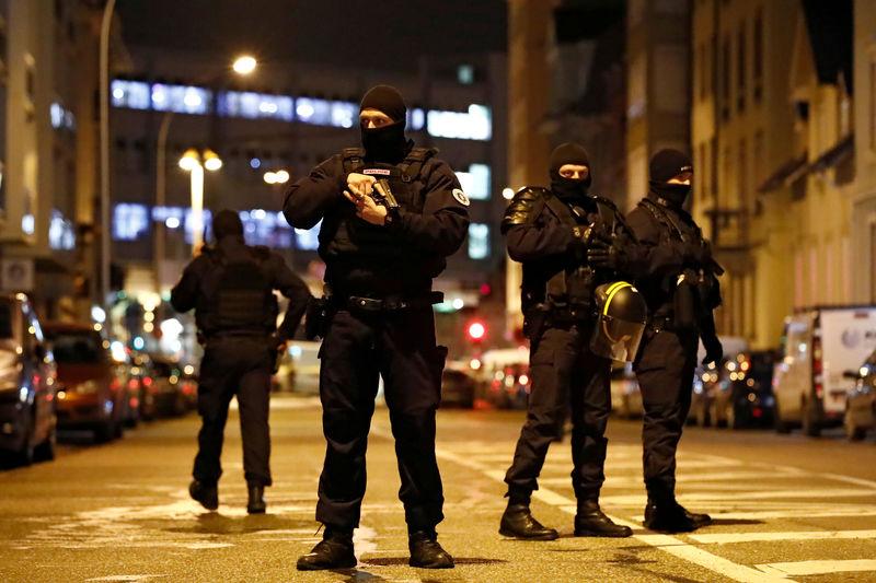 © Reuters. SEPT PROCHES DU TUEUR DE STRASBOURG TOUJOURS EN GARDE À VUE