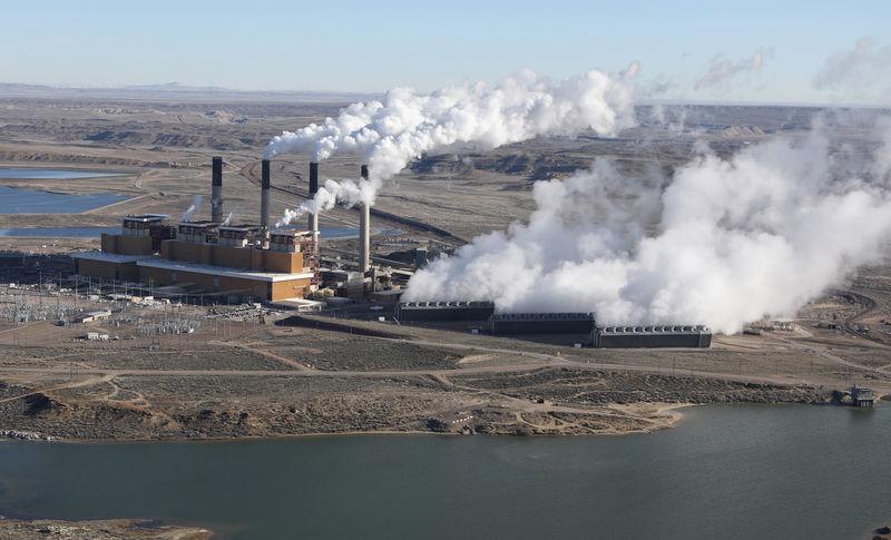 U.S. utilities file legal challenge to Trump power plant rule By Reute