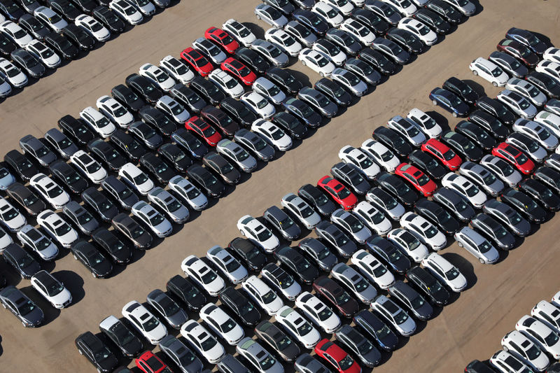Trump to bar California from setting vehicle emission rules: sources B