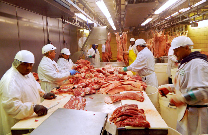 U.S. worker, food-safety advocates sound alarm over new hog slaughter