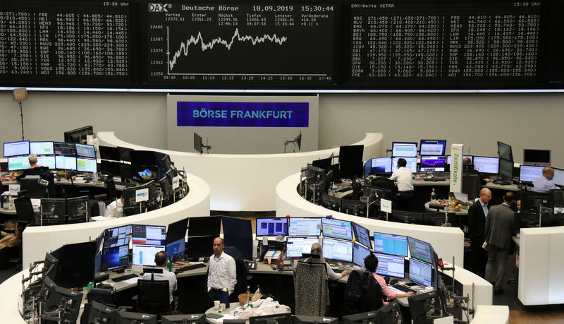 European shares rise as banks lead gains By Reuters