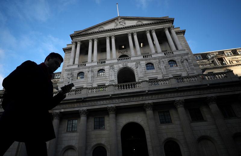 英中銀、金利据え置き 合意なき離脱による成長阻害を懸念