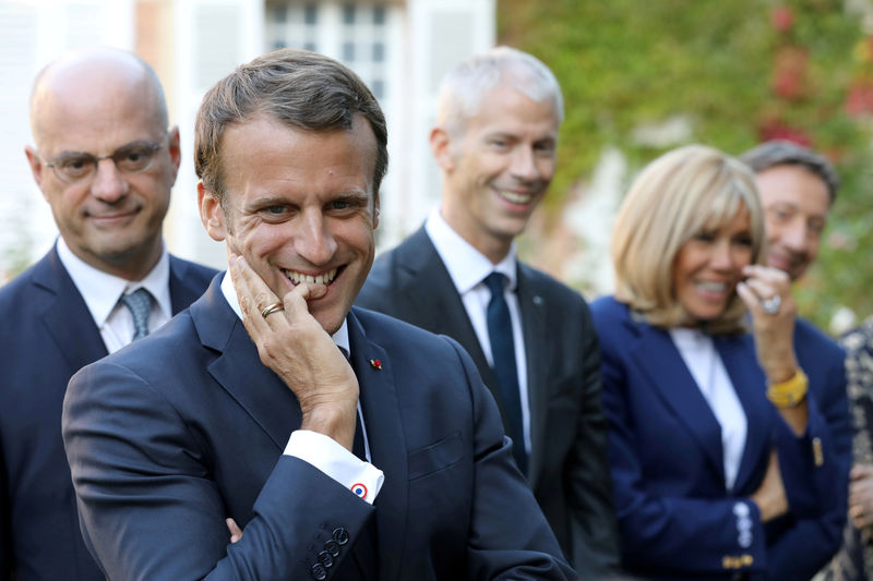 © Reuters. FILE PHOTO: French President Emmanuel Macron visits the Chateau de By (