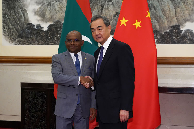 © Reuters. Maldives Foreign Minister Abdulla Shahid visits China