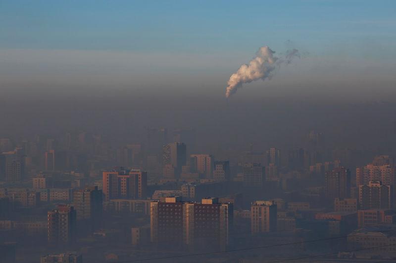 Markets face major risks over lax climate forecasts, top investors war