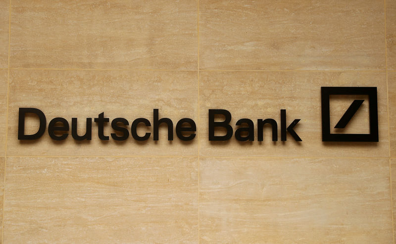 © Reuters. FILE PHOTO: The logo of Deutsche Bank is pictured on a company's office in London