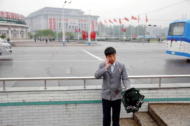 アングル:北朝鮮、制裁破りのスマホ事業 政権の収益源に