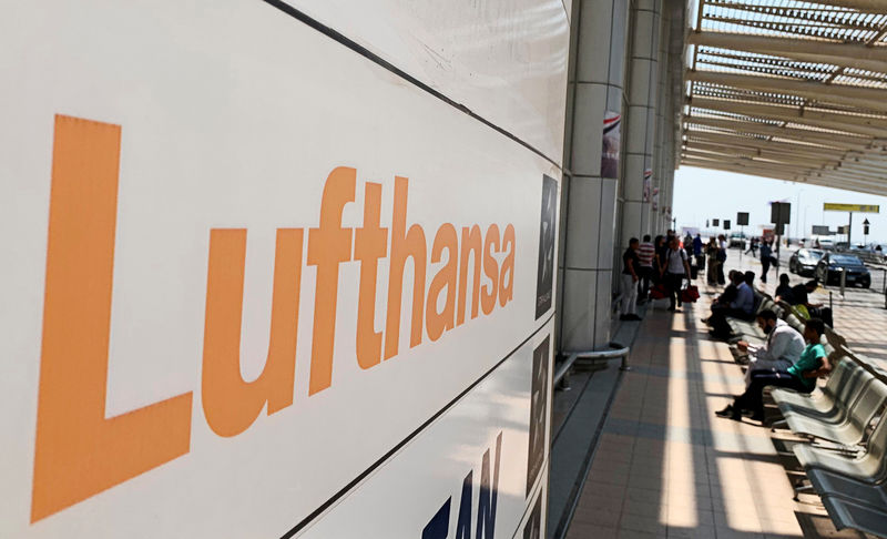 Lufthansa proposes joining Alitalia rescue plan - source By Reuters
