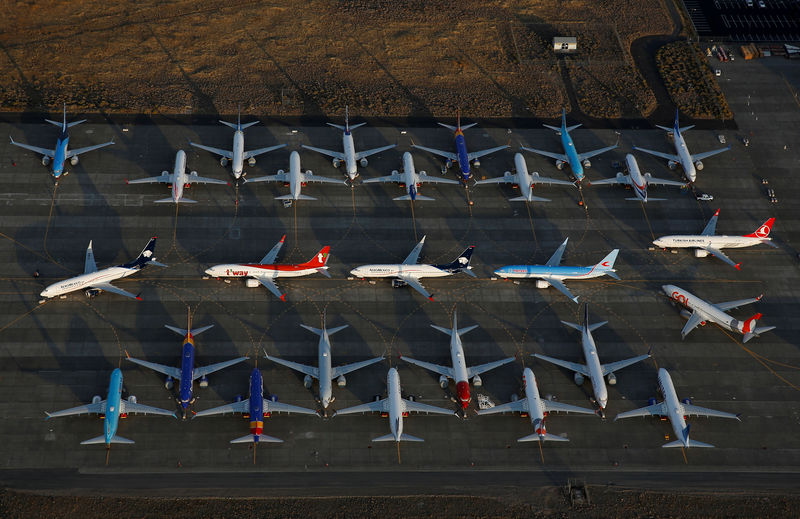 © Reuters. An aerial photo shows Boeing 737 MAX aircraft at Boeing facilities at the Grant County International Airport in Moses Lake