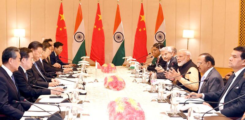 © Reuters. India's Prime Minister Modi and China's President Xi attend delegation level talks in Mamallapuram