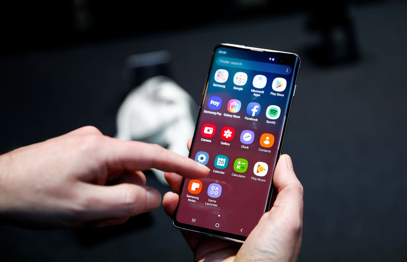 Samsung to patch Galaxy S10 fingerprint problem By Reuters