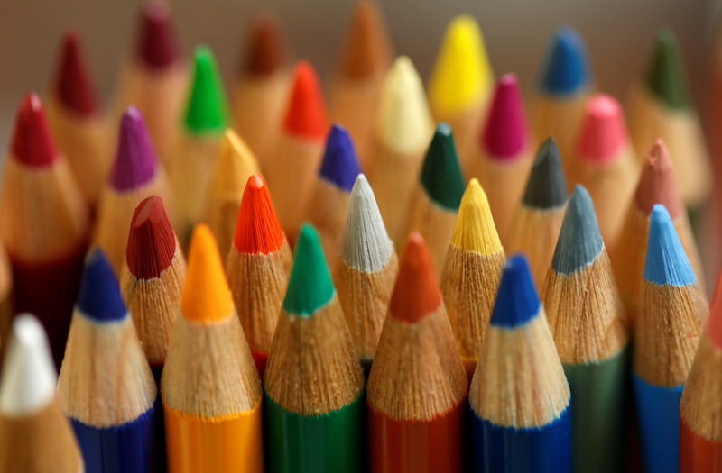 © Reuters. FILE PHOTO: Wood-cased coloured pencils are pictured in a shop at Faber-Castell manufacturer in Stein