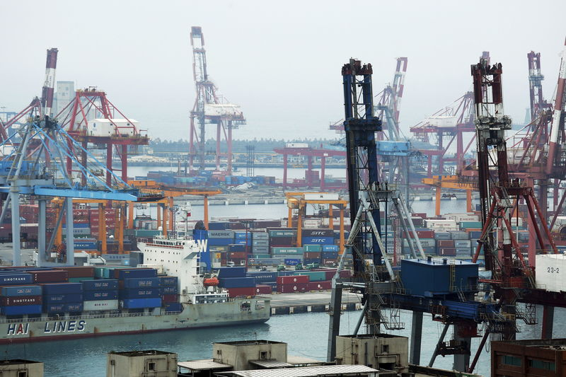 Taiwan September export orders seen falling for 11th month but at slow
