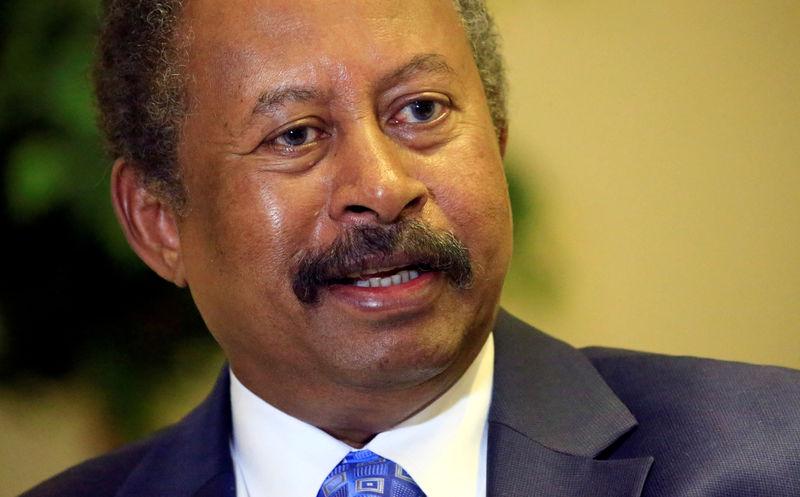 © Reuters. السودان يعين لجنة للتحقيق في فض اعتصام قرب وزارة الدفاع في يونيو