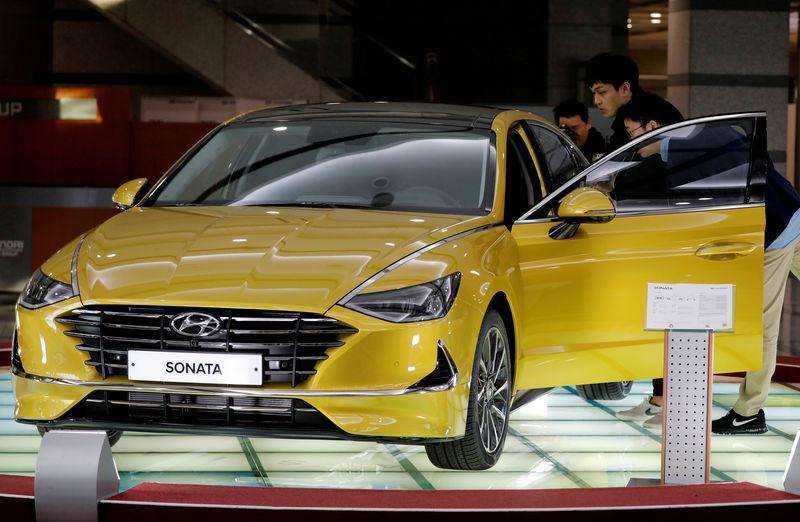 Hyundai third-quarter profit misses view due to engine-defect charges