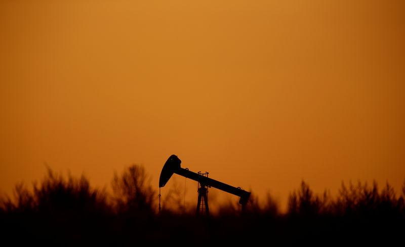 Oil edges down; eyes on data amid trade deal hopes - Investing.com thumbnail