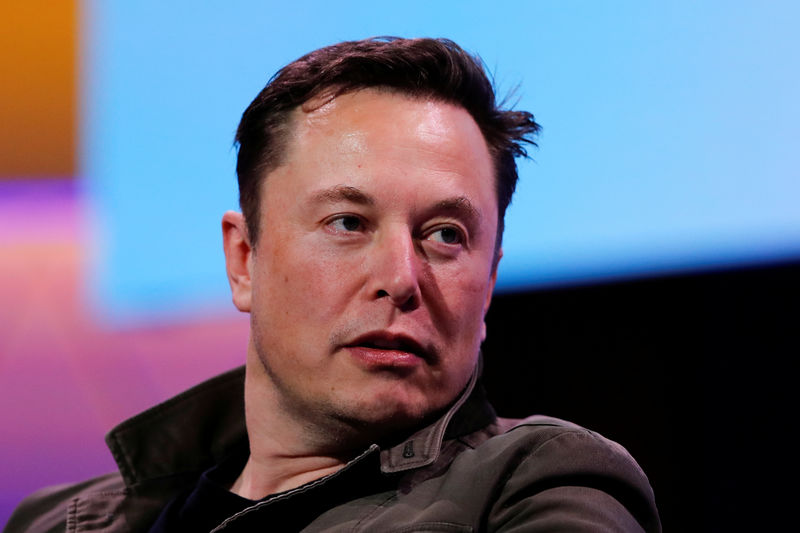 SpaceX brings Musk back on Twitter, days after quitting By Reuters