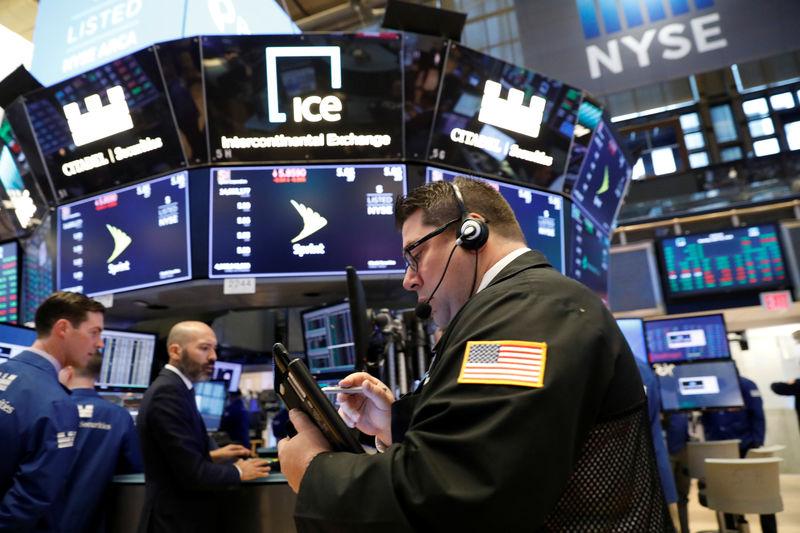 Wall Street renova recordes; S&P 500 tem 5ª semana seguida de altas