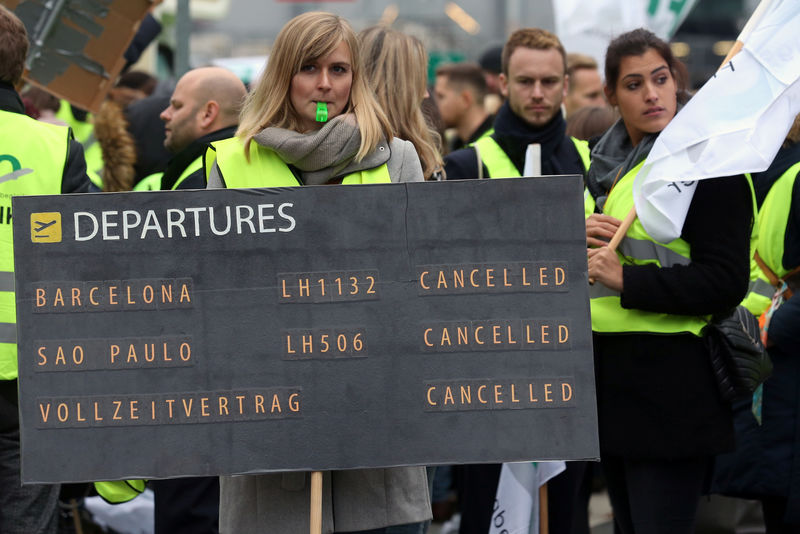 Lufthansa agrees to arbitration with cabin crew, averting strikes By R