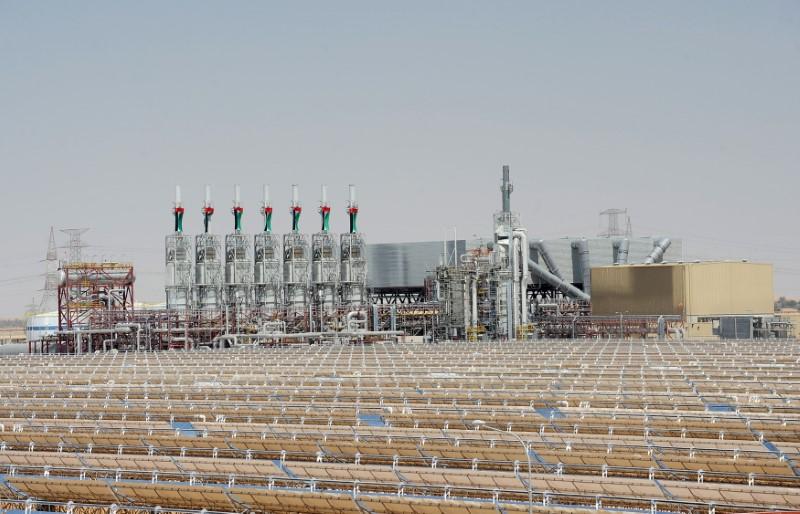 © Reuters. شركة شمس للطاقة تسحب بيانا سابقا عن حريق في حقل شمس 1 في أبوظبي