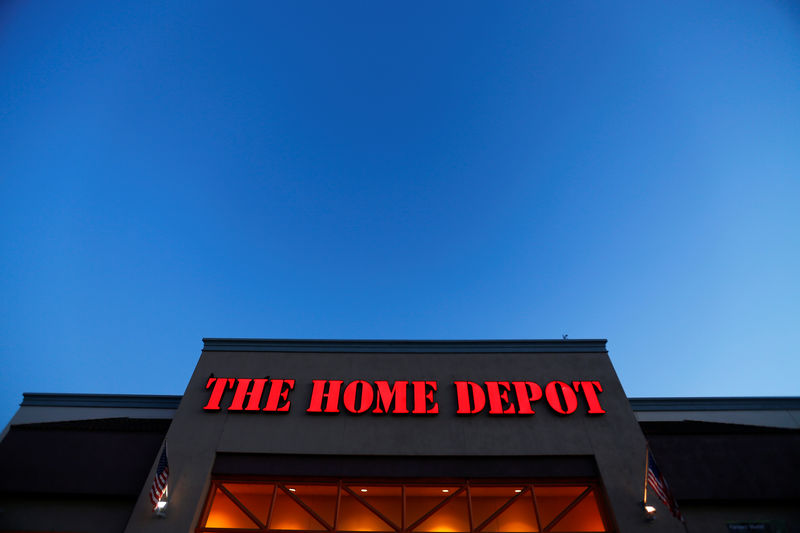 © Reuters. The logo of Down Jones Industrial Average stock market index listed company Home Depot is seen in Encinitas, California
