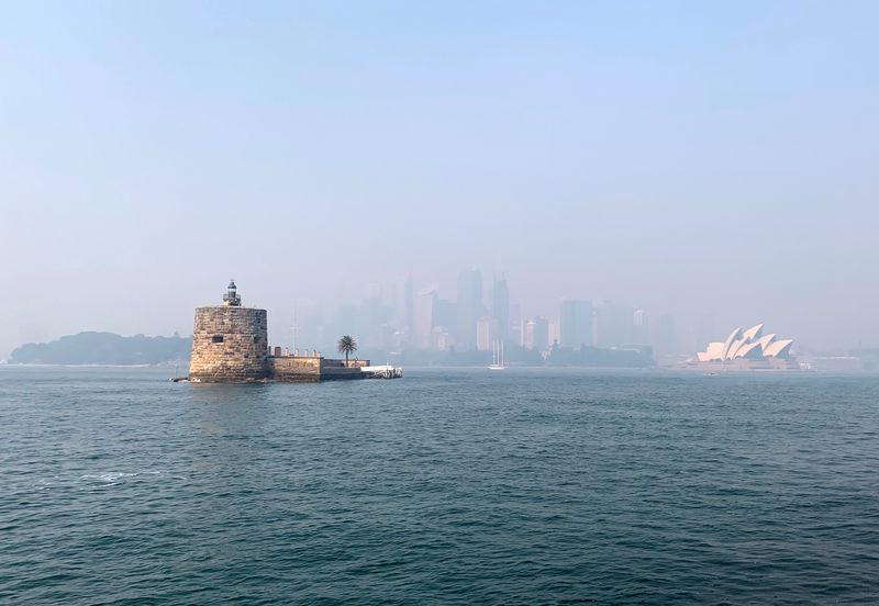 Australia bushfire smoke shoots Sydney into top 10 global pollution in