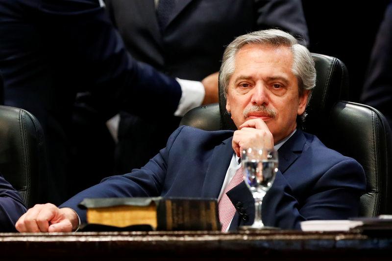 Argentina creditors jockey for lead ahead of $100 billion debt talks B