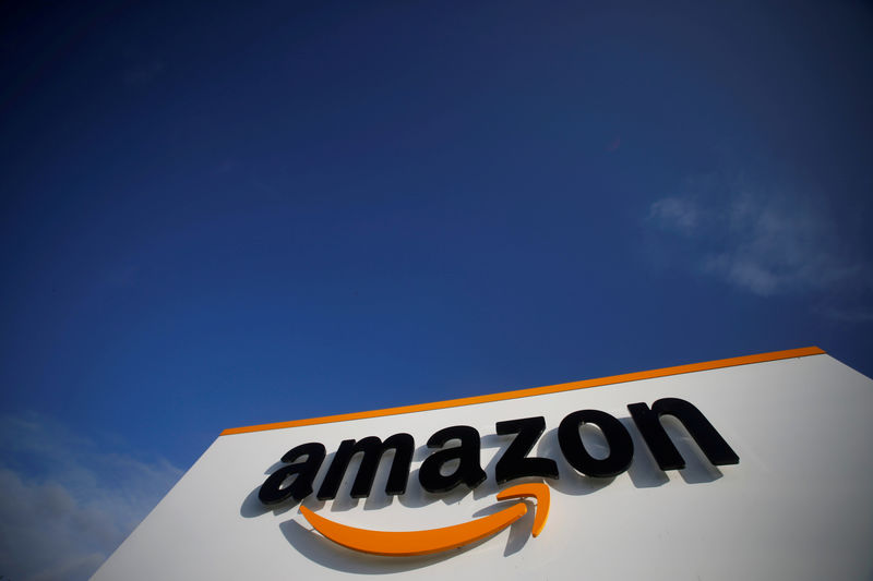 © Reuters. FILE PHOTO: The logo of Amazon is seen at the company logistics centre in Boves