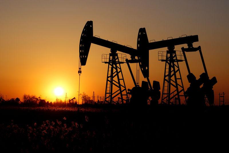Oil gains on fresh hopes for U.S.-China trade talks - Investing.com thumbnail
