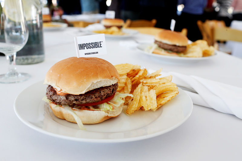 © Reuters. FILE PHOTO: The completed plant-based hamburger is displayed during a media tour of Impossible Foods labs and processing plant in Redwood City, California