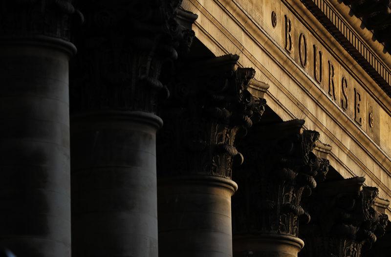 Le rebond tourne court, Trump et l'économie US pèsent Par Reuters