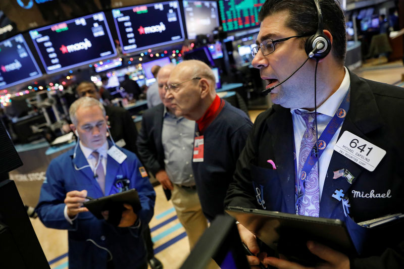 Wall Street falls for third straight day as trade hopes dim