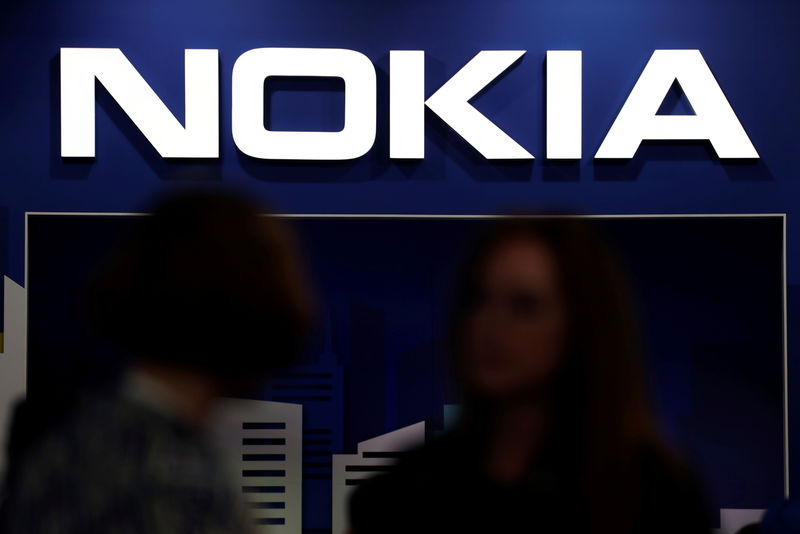 Nokia halts legal action against Daimler with mediation offer By Reute