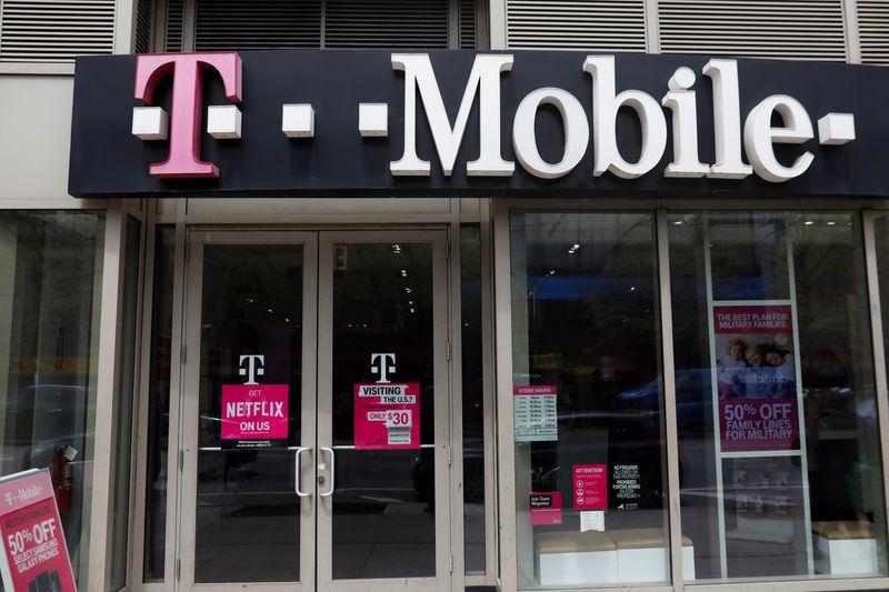 Deutsche Telekom CEO denies T-Mobile/Sprint deal will reduce competiti
