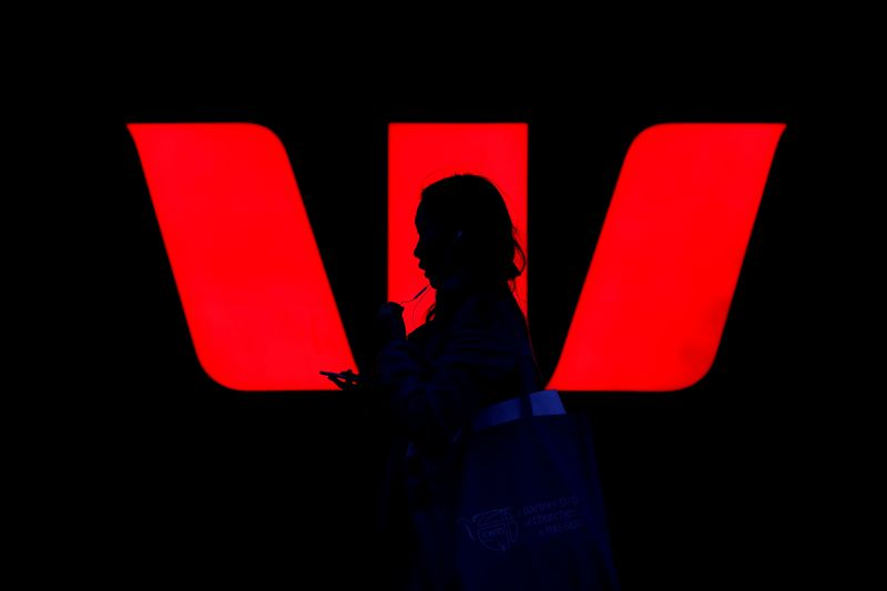 Australia Westpac's board set to survive investor anger over payments