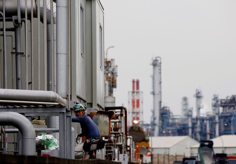 Japan October core machinery orders fall 6.0% month/month: government