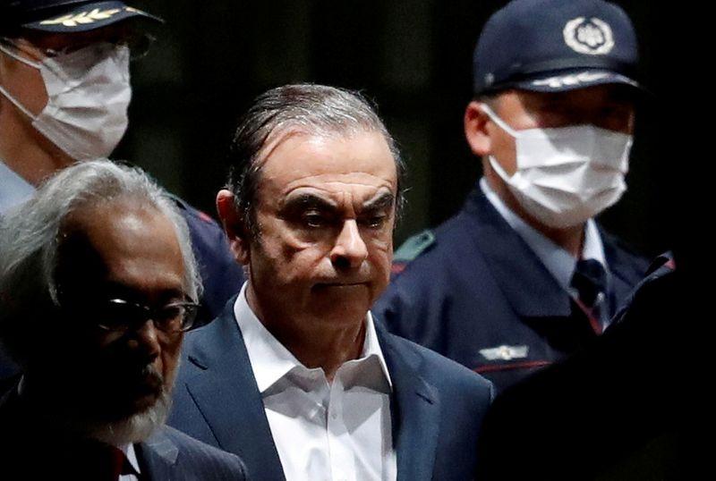 © Reuters. Карлос Госн говорит, что находится в Ливане, отрицая бегство от японского правосудия