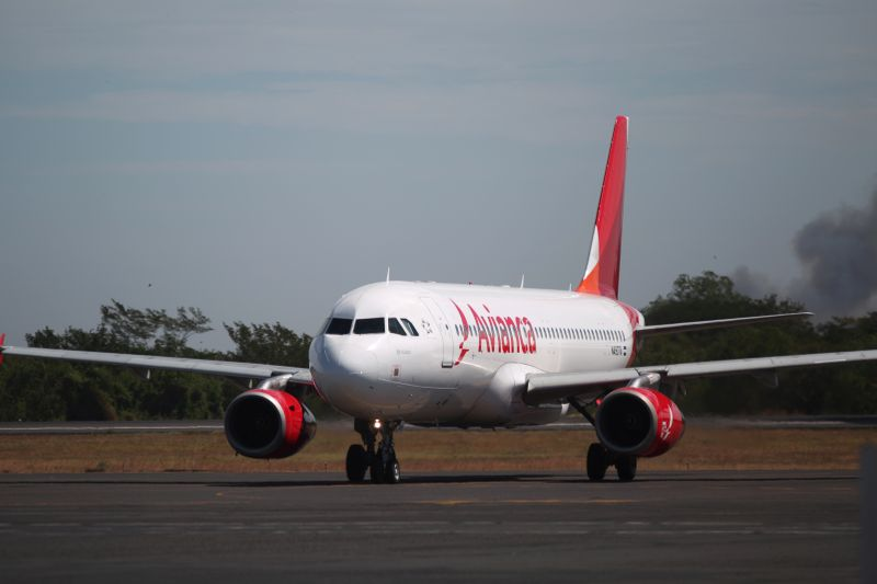 Latin America's Avianca reduces Airbus order by 20 planes By Reuters