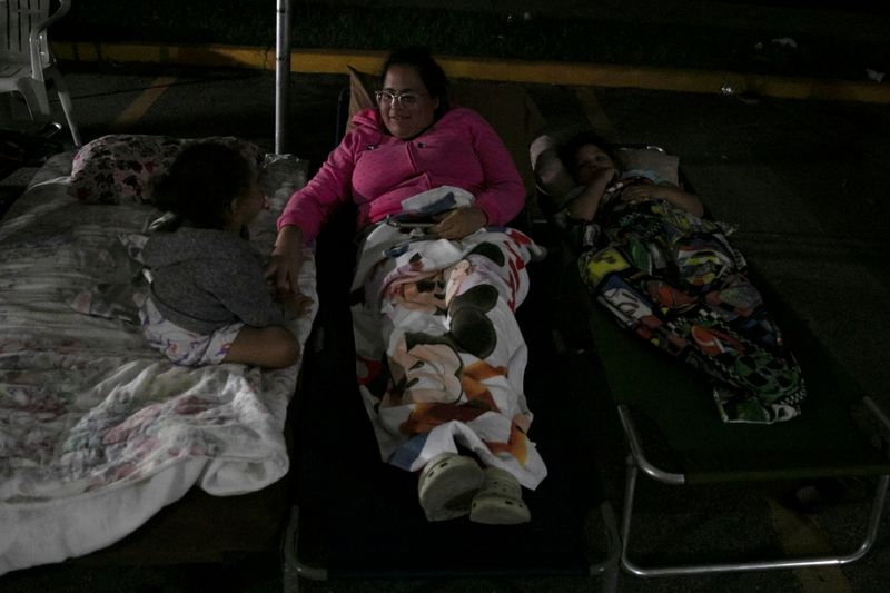 Puerto Ricans sleep outside, wait for power after 'devastating' quake