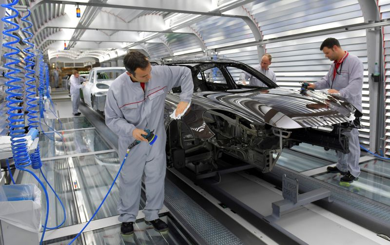 Rebond de la production industrielle en novembre