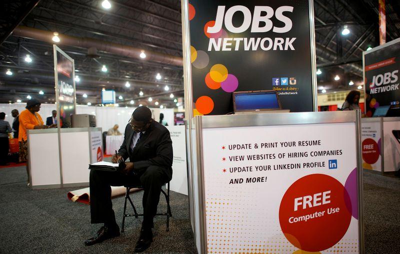 USA: Les créations d'emplois fléchissent mais le chômage reste bas