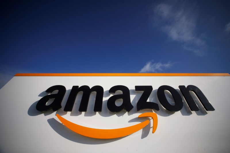 © Reuters. The logo of Amazon is seen at the company logistics centre in Boves