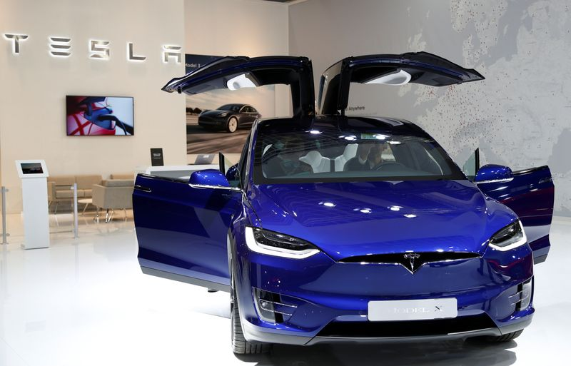 © Reuters. A Tesla Model X electric car is seen at Brussels Motor Show